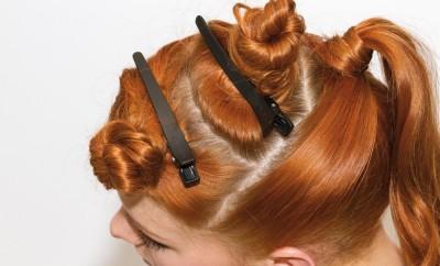 Step 05 - Iniziare ad annodare i capelli a piccole ciocche e assicurarli alla base.