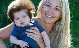 Junior il bimbo di 2 mesi dalla chioma rock